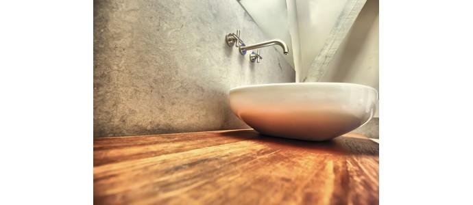 Baños en tonos grises y madera, tendencia para este W20.